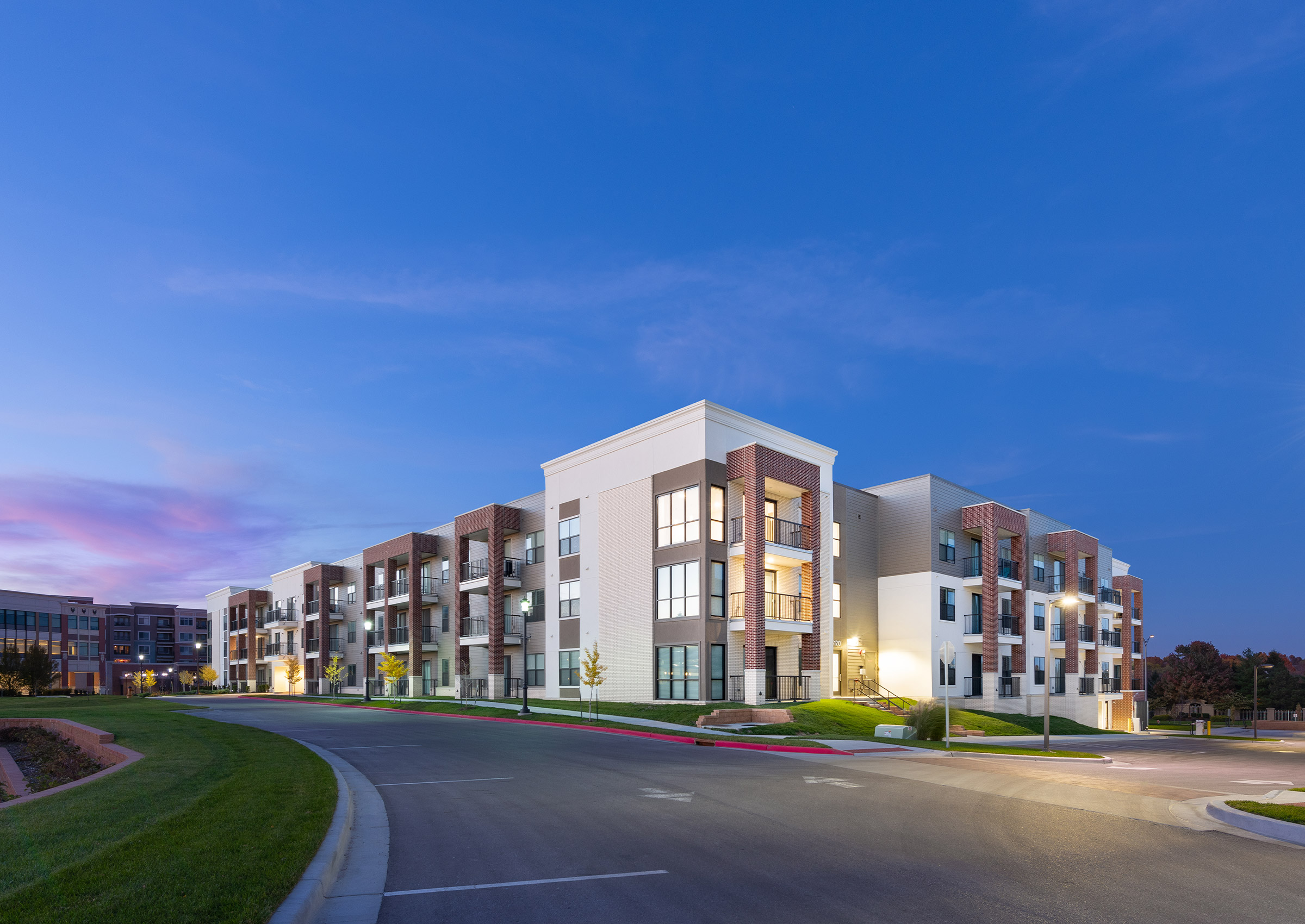 Park Place East – Apartments & Parking Garage